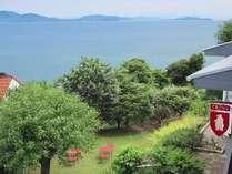 ペンションから見える海・・・穏やかに広がる海と小豆島