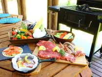 日本のバーベキューとは違い、アメリカンBBQ,では肉を塊のままで焼き、ジューシーに仕上げます