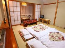 全室広々で嬉しい。和室10畳~12畳 温泉に入った後はゆっくりとお休み頂けます♪