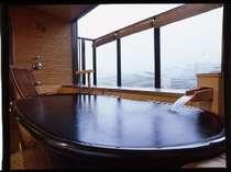 【露天風呂付客室】眺望を楽しみながら・・・