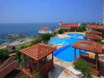 【プール】太平洋を望む宿泊者専用プール(詳しいご利用案内は当ホテルHPをご覧ください。)