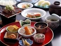 【朝食付】繁華街が徒歩圏内!朝食は飛騨の名物「朴葉味噌」が付いた和定食♪無料特典も満載♪