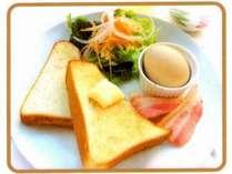 【朝食メニュー1】トースト・ベーコン・本日のココット料理
