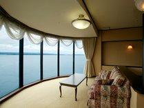 [利久723号室/貴賓室]和室10帖と次の間6帖の2間をお食事、寝室に分けてご利用いただけます。