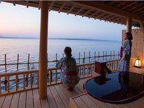 ■利久・露天風呂付客室■ 波穏やかな海景を目の前で楽しむ温泉露天風呂付客室 のんびり贅沢ステイ