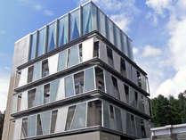 *大自然の中に建つホテル棟は、オシャレな外観。風もやさしく感じられる旅時間を演出いたします♪