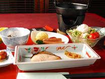【訳あり◆朝食付】富士山南アルプスの景色を眺めながら和定食の朝ごはん★周辺3ゲレンデでスキースノボ♪