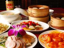 *ご夕食一例<中華>旬の食材を使用し、彩りも鮮やかな中華料理の数々をご用意いたします。