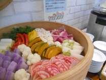 ご朝食:1月限定!「冬野菜のせいろ蒸し」♪体もポカポカ健康に!栄養もバッチリ☆