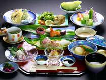 【定番】旬の海鮮と季節の野菜を使った海鮮料理です。