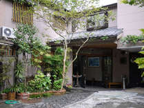 *真鶴半島の高台に位置する宿です。