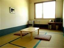 6畳の和室です。お2人様までご利用いただけます。