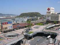 交通の拠点!黒崎駅とロータリーの様子