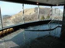 四国カルストの絶景が広がる!四万十源流水を使った展望風呂☆