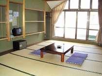 南向き、14畳の広々としたお部屋♪富士山が正面に!