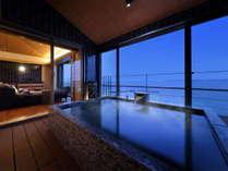 最上階の和スイート展望風呂