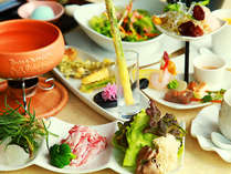 地物食材・信州名物にこだわり、常に新しい食材や調理法でお客様の「愉しい」を演出できる懐石料理を♪