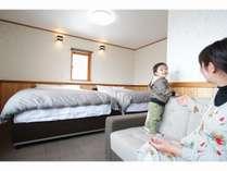 ソファーはソファーベッドとしても利用可能。最大5名様まで泊まれます。