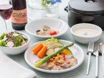 夕食の一例:北信州みゆきポークと野菜の蒸し物