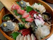 地魚のお刺身盛り込み一例