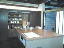 【Vin Vin】アイランド式のキッチン食器棚