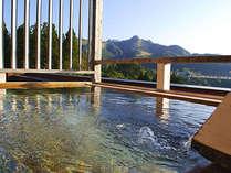 *【展望露天】胎内川を挟んだ反対側にあるスキー場も見えます