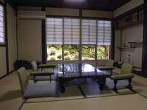 古民家移築の離れの間つつじ 8畳床の間 自然の息吹を間近で愉しみたい。