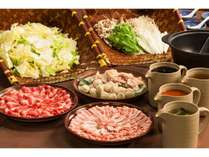 ウエスト名物!選べる4種のあったか鍋+新潟の美味バイキングをお腹いっぱい召し上がれ♪