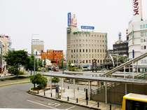 豊橋駅東口の目の前で便利なホテルです。駅やバス・市内電車乗り場へは地下道で直結!