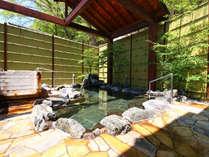 ★露天・女湯 当館のお風呂は全て天然温泉100%の掛け流し温泉。