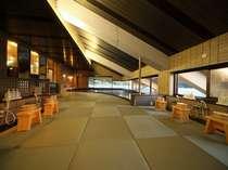 畳敷き風呂~大きな窓から瀬戸内海や宮島の景色を望めます!