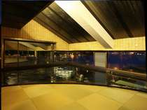 畳敷のお風呂「浦島の湯」からは大鳥居がみえます!