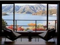 【悠々庵】何にもせずにのんびりと河口湖を一望しながら静かな時間をお過ごし下さい。