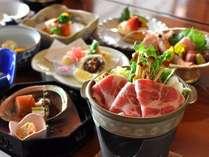 箱根山麓豚のお鍋がついた夕食の一例です。
