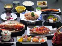 福岡名物・華味鶏のフルコース♪鶏料理のあれこれをご賞味下さい♪