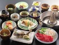 御夕食一例。信州牛、岩魚、虹鱒きのこ類がイッパイ♪