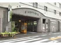 【外観】上野方面から見た当館。JR上野駅からは徒歩で15分ほど。