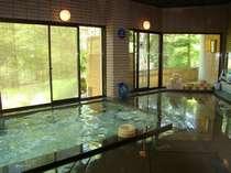 蔵王天然水沸し風呂「華の湯」男性浴室