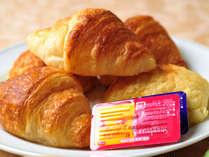 【朝食バイキング】目の前で焼き上げるサクサクのパンが人気♪