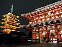 夜の浅草寺を散策してみては…?