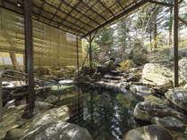 【露天温泉岩風呂】大地が生み出す温泉が心身を癒してくれます。