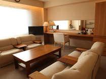 ≪DESIGNER'S SUITE ROOM≫マウントビューが楽しめる和室と洋室がコネクトしたスイートルームです。