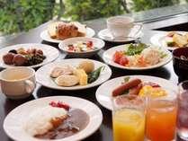 【朝食バイキング】牛タンカレーやしそ巻など、季節代わりの東北の味覚を使った和洋食バイキングをご用意!