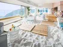 ソラノビーチBooks&Cafe[喧騒から離れ、大人がくつろげる落ち着いた雰囲気のビーチを表現]