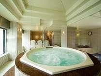 大浴場ジャグジー風呂と天然光明石温泉(人工)も。地元の方にも人気