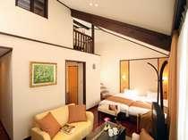 1階がリビング・ベット。2階は書斎とデイベットスペースとなっているメゾネット式のお部屋