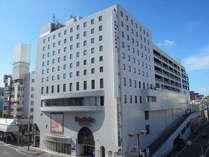 デパートのボンベルタ橘と一体化しているホテルでショッピングにも大変便利です。