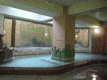 「竜化の湯」自家源泉「けか流し」洗い場まであふれる温泉をお楽しみください。