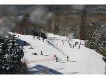 クワットリフト山頂駅周辺から山岳スキーが楽しめます。