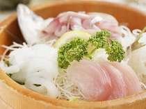 地魚中心の朝獲れ海の幸!!新鮮なお刺身をおなかいっぱいお召し上がりください♪